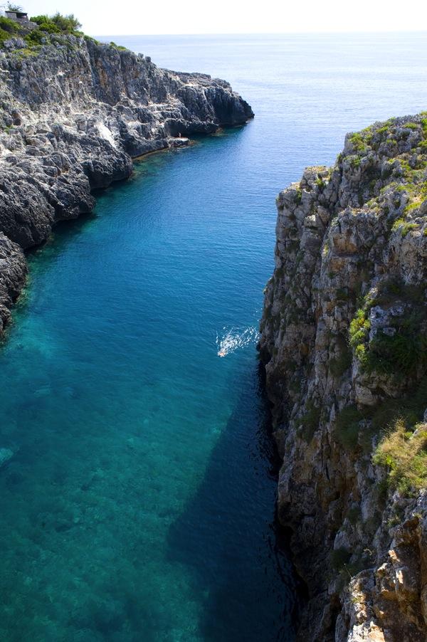 Il Ponte Ciolo. Il mare del Salento con le sua acqua limpida, ideale per te tue immersioni, a 2 passi dal B&B Nilosira