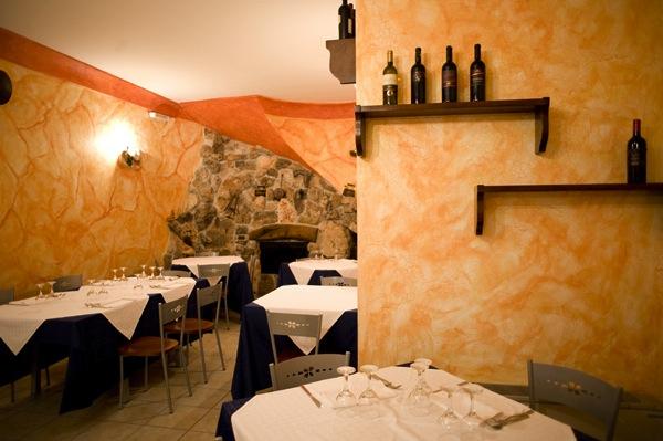 dsc_476Al B&B Nilosira solo piatti della tradizione salentina, il pesce fresco è la particolarità di una cucina sana e genuina. I profumi del Salento saranno le coccole dopo una giornata di mare1